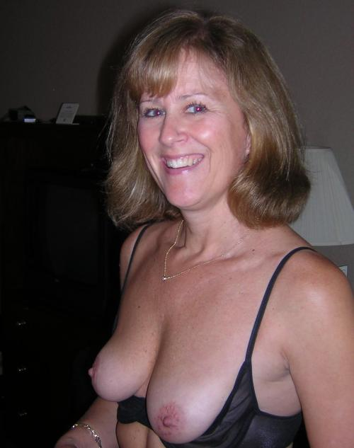 Gorgeous wife! Gorgeous breasts!