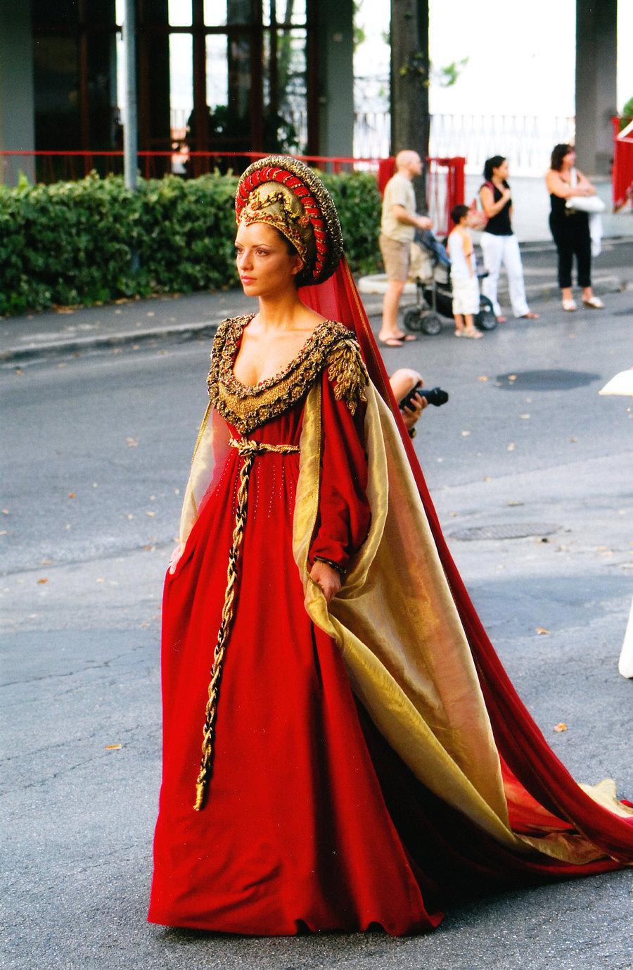 Madame De Pompadour Medival Dress 15th Century Italian
