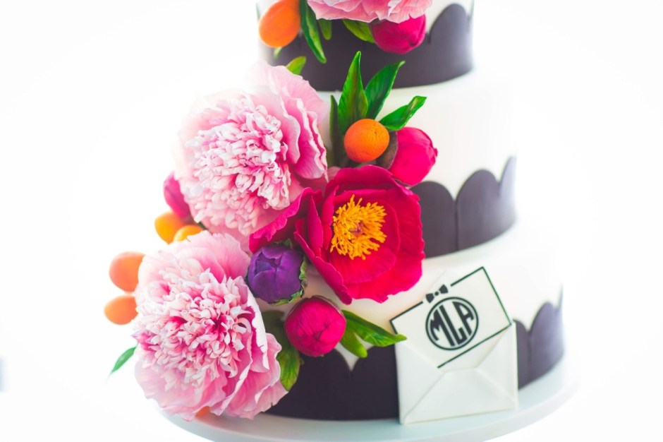 Sugar Flower Wedding Cake I Black and White Cake I Sugar Kumquat Wedding Cake I Monogram Cake I Preppy Cake I Mischief Maker Cakes #mischiefmakercakes #themischiefmaker #bemischievious #sugarflowers