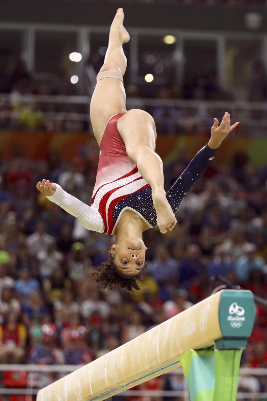 Watch Yelena Shushunova 2x Olympic champion (all-around, team) video
