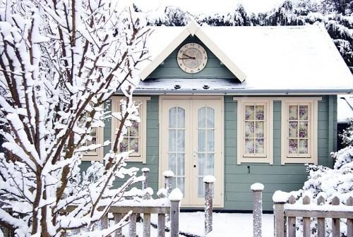 amandaricks.com/a-snowy-blue-wonderland/