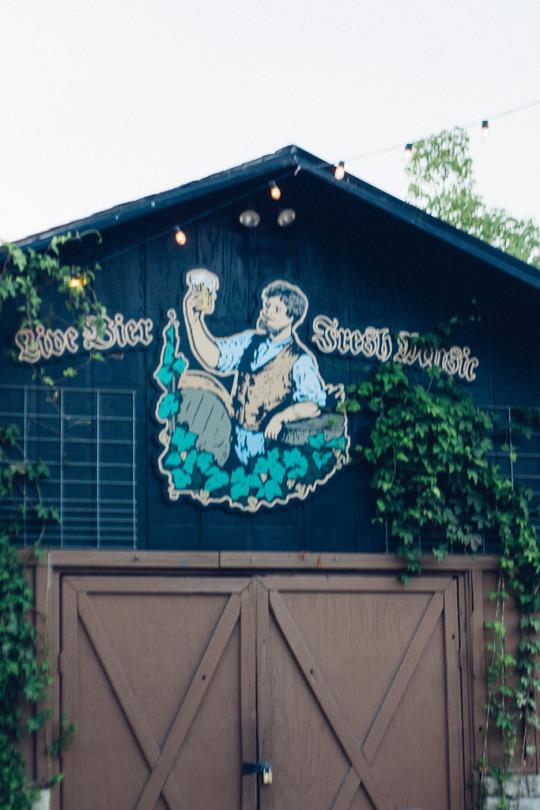 dog friendly restaurants in Sebastopol, Hopmonk tavern