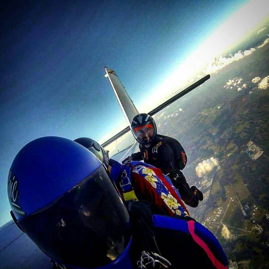 @Regrann from @love_and_action - Hey fellas, this is our stop. 3,2,1….see ya! #loveandaction #love #instacouple #like #skydive #adventure #action #adrenaline #instadaily #freeflycouple #iloveskydiving #blueskies #loveisintheair #instalove #perfect...