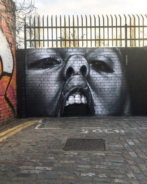 streetartglobal:  Face Against Glass by @woskerski in London.[http://globalstreetart.com/woskerski]#GlobalStreetArt #Woskerski https://www.instagram.com/p/BN2dNOLAXqM/