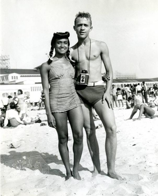 41e86934e51 A couple at Chicken Bones Beach, a segregation beach for African-Americans  in Atlantic City, New Jersey. Circa 1940s