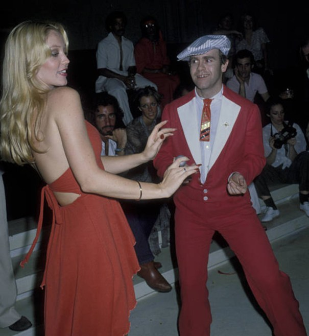 Cheryl Rixon and Elton John dancing at a party for Roberta Flack at Xenon  Disco in New York City on June 12 7e0311d15ef1