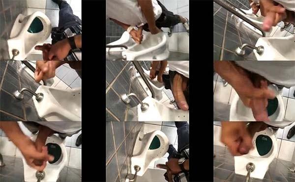Pegada de machos no banheiro público