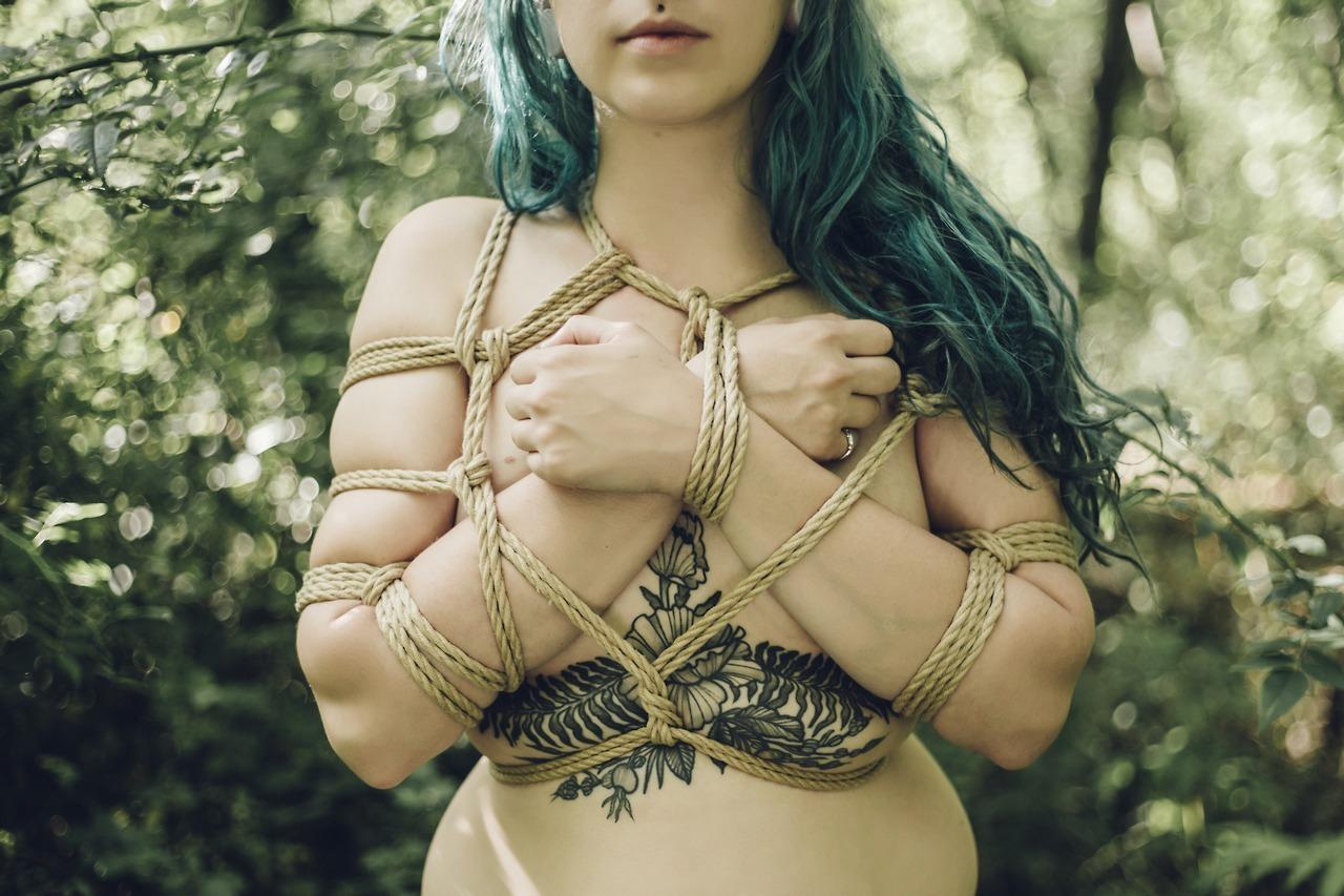 gemmalemon fit to be tied
