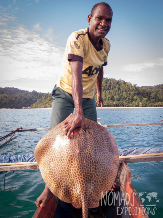 spear water ocean underwater sea marine traditional papua west southern coast tribal triton bay sea cucumber bamboo goggles murky sting ray boat dead
