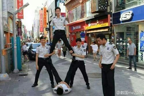"exofunny: "" galaxy—-panda: "" Korean police doing exo overdoes "" """