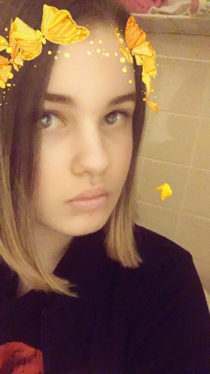 naked teen selfie tumblr