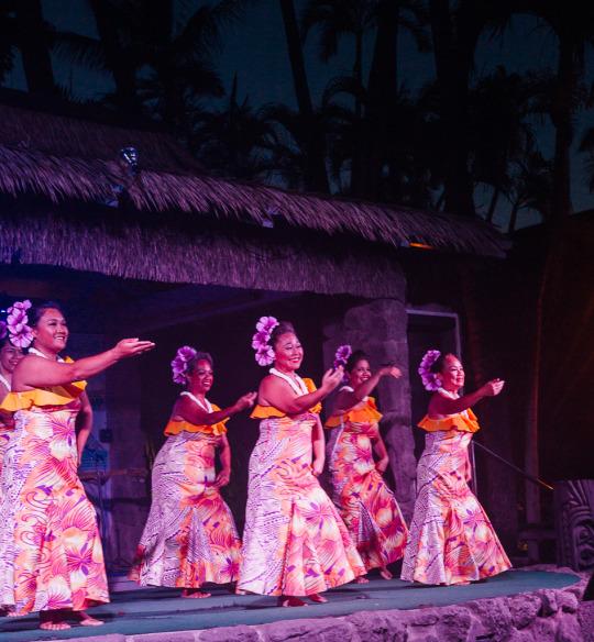 Kaanapali beach hotel, where to stay in Maui, Maui hotels, budget hotels Maui