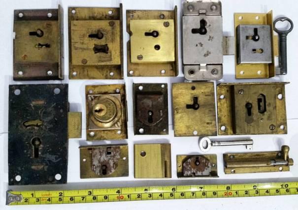 NOW ON  AUCTION   CKsKeys.co.uk –  Old  Antique  Vintage  locks – MSG ME FOR   BUY IT  NOW  PRICES    steampunk  padlock  lock  padlocks  rustic   homedecor ... 33eaea1ebb4ed