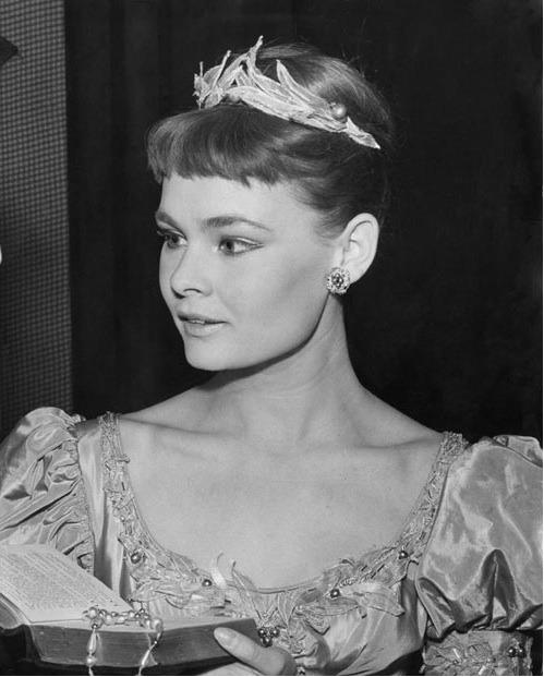 Amazing Historical Photo of Judi Dench in 1957