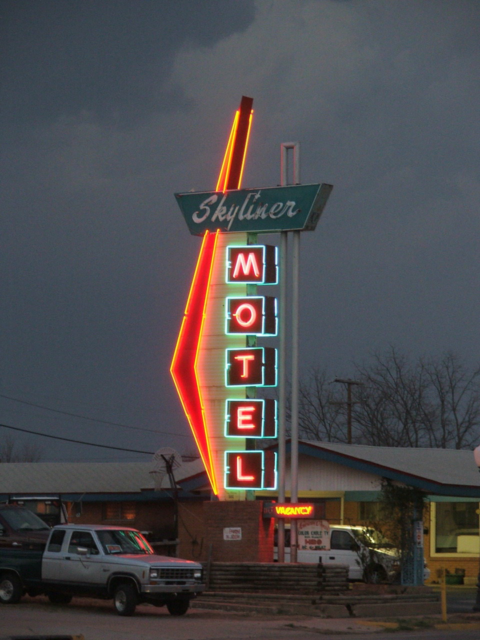 Skyliner Motel - 717 West Main Street, Stroud, Oklahoma U.S.A. - 2006