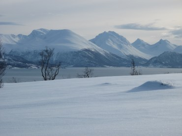 kvaloya-mountains.jpg