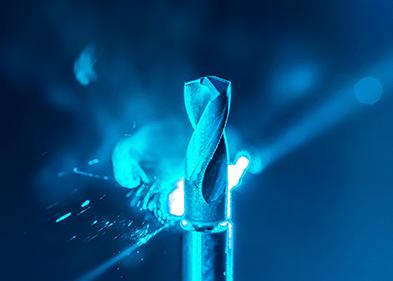 Herstellung eines Spiralbohrers mittels Ultrakurzpulslaser.