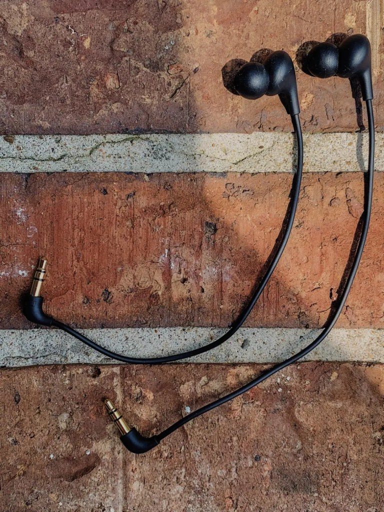 quest in-ear headphones