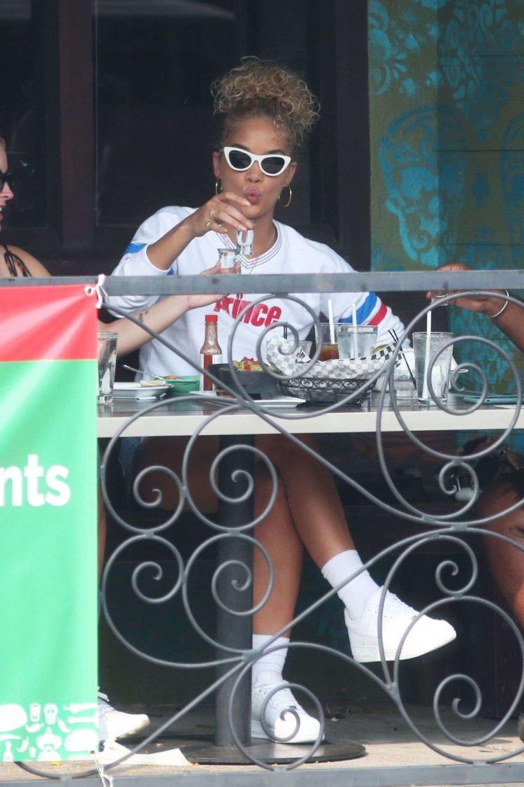 Jasmine Sanders Spotted In Shorts Out In Sherman Oaks