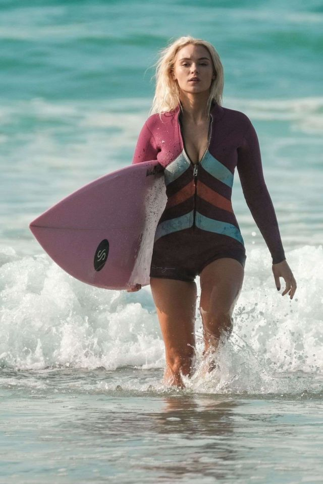 Lucie Donlan Surfing At A Beach In Newquay