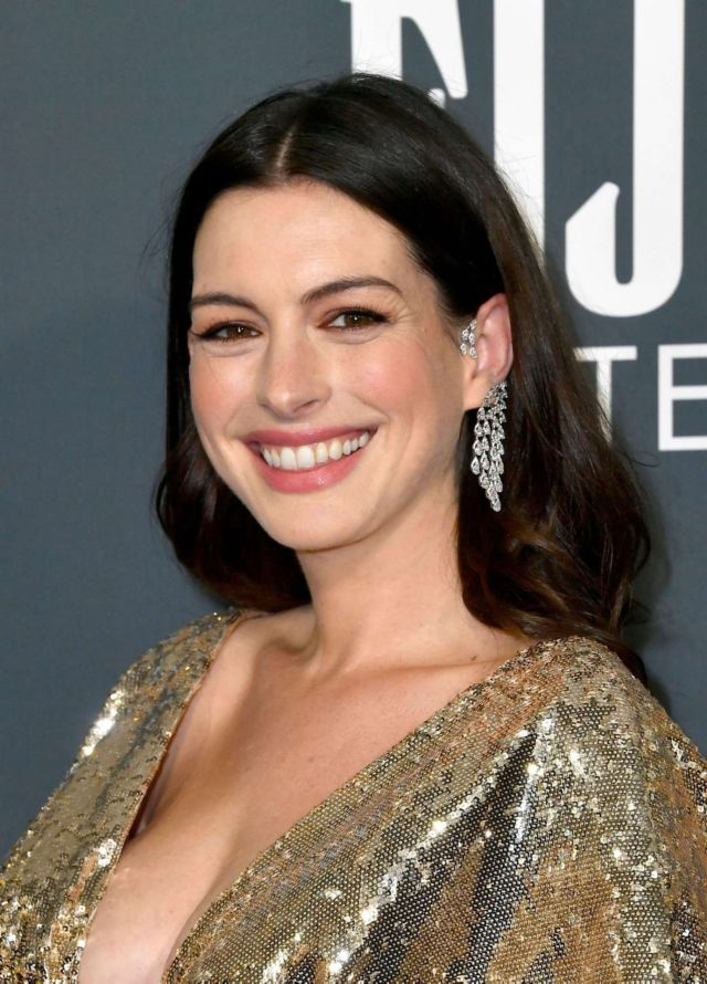 Anne Hathaway Glitters At The 25th Annual Critics Choice Awards