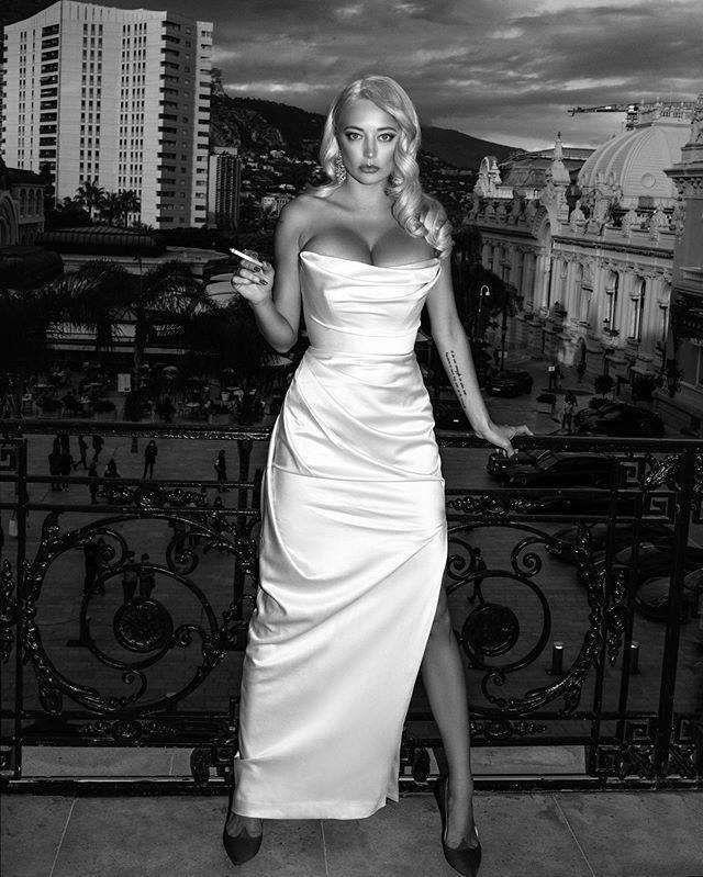 Gorgeous Caroline Vreeland In A Beautiful Photoshoot