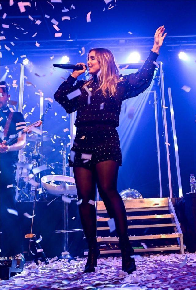 Stunning Louise Redknapp Rocks Her UK Tour In Southampton