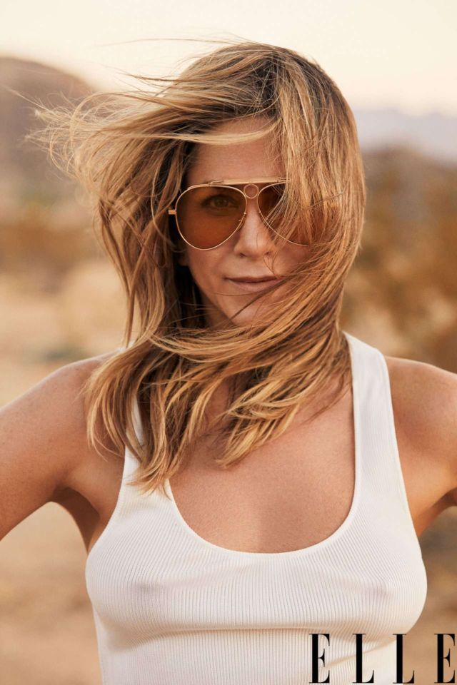 Jennifer Aniston Featured In Elle Magazine's January 2019 Issue