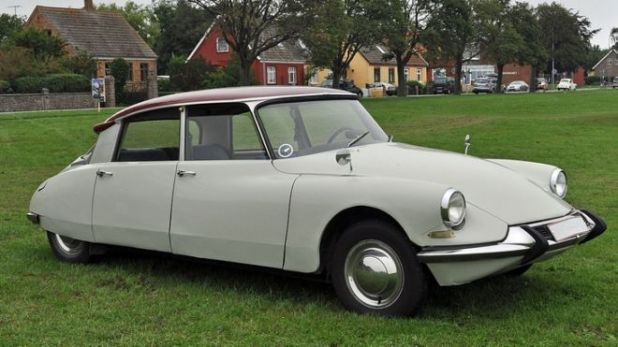 10 Wonderful Vintage Cars Of The 1960s