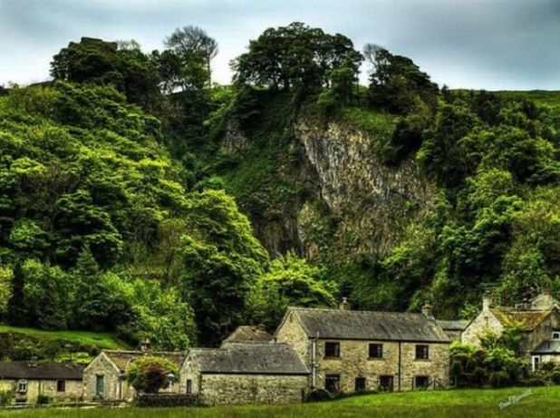 10 Beautiful British Villages That Will Take You Back In Time