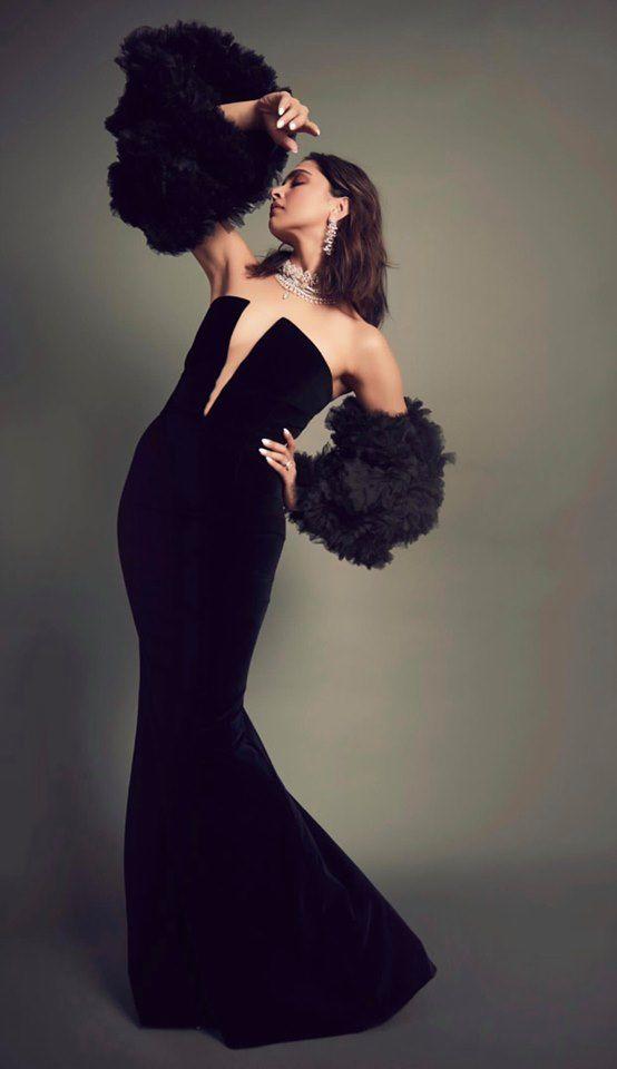Deepika Padukone Looks Stunning In Black