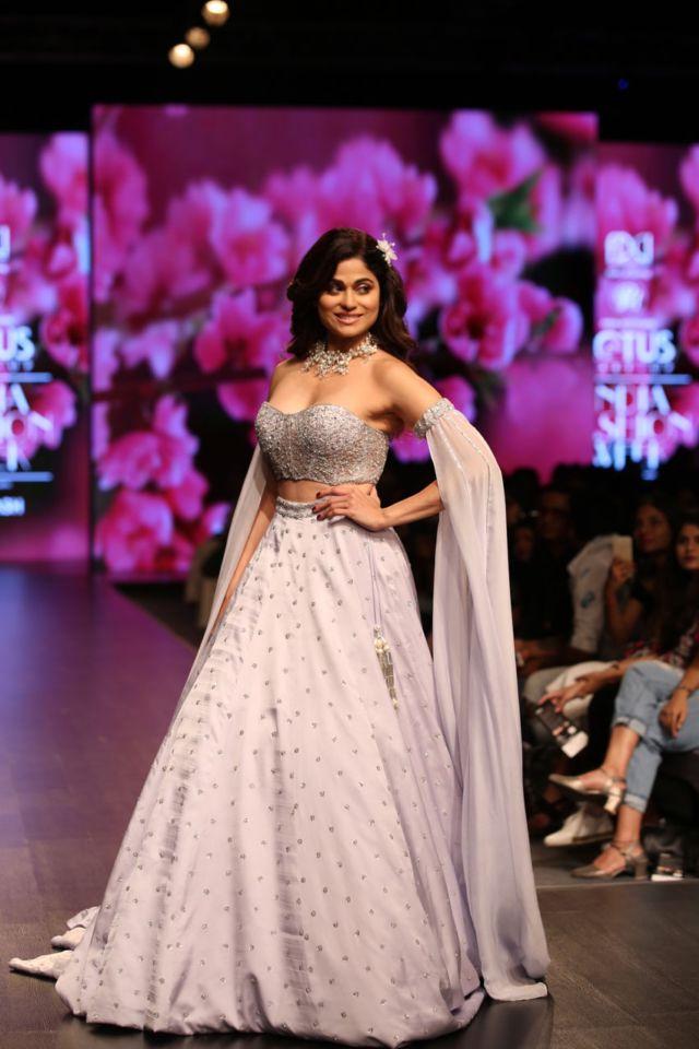 Gorgeous Shamita Shetty Walking The Ramp At Lotus Fashion Week 2019