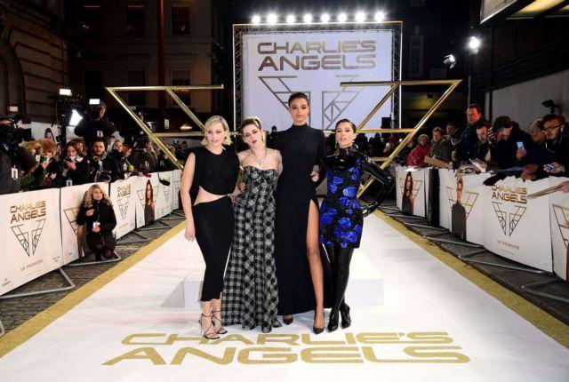 Elizabeth Banks And Naomi Scott Together At 'Charlies Angels' Premiere