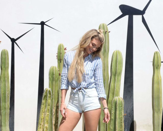 AnnaLynne McCord At The Lucky Brand And Rolling Stone Live Present Desert Jam