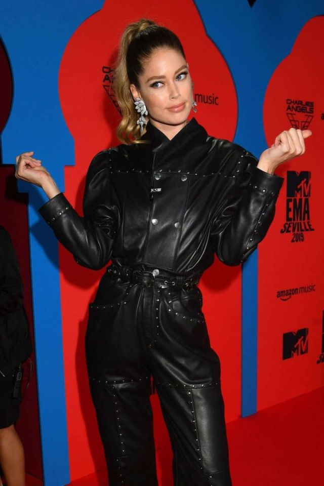 Doutzen Kroes In Black At MTV Europe Music Awards 2019