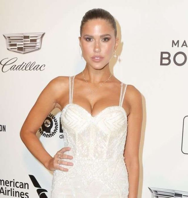 Kara Del Toro Attends The 27th Annual Elton John AIDS Foundation Academy Awards Viewing Party