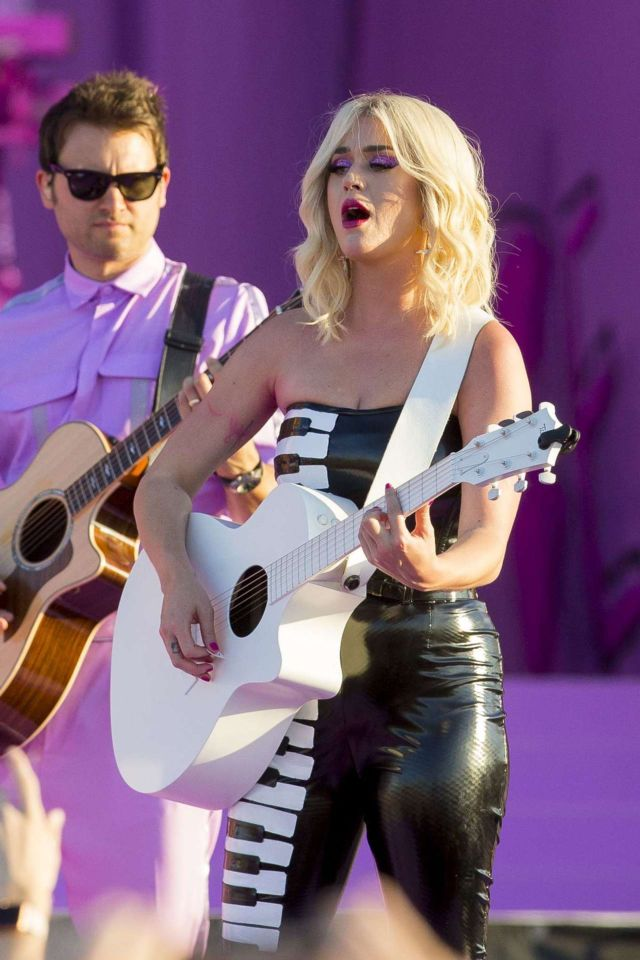Katy Perry Performs Live At New Orleans Jazz & Heritage Festival 50th Anniversary