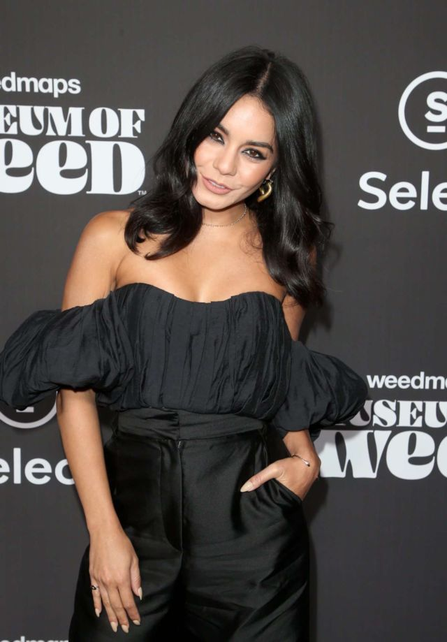 Pretty Vanessa Hudgens In Black At Weedmaps Museum Of Weed Exclusive Preview Celebration