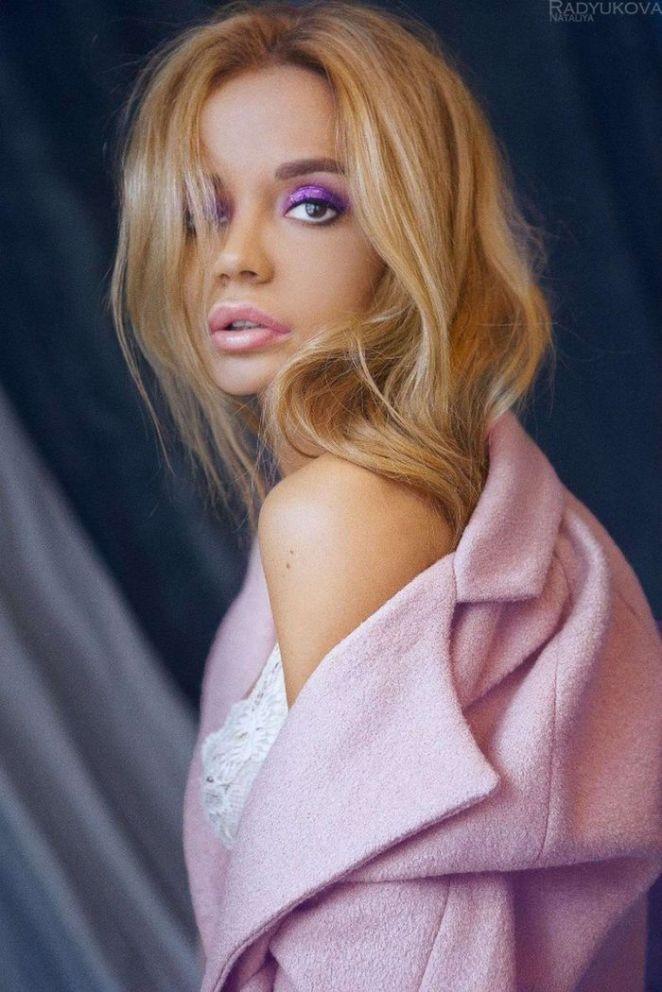 Ekaterina Zueva In A Sensual Photoshoot By Natalya Radyukova