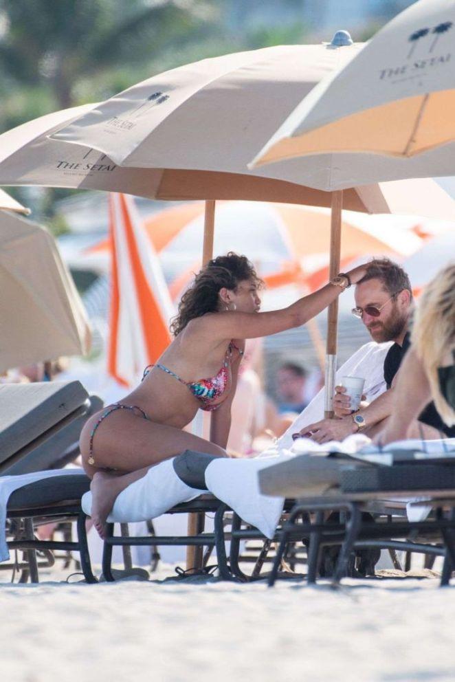 Jessica Ledon Relaxing In Bikini On Miami Beach