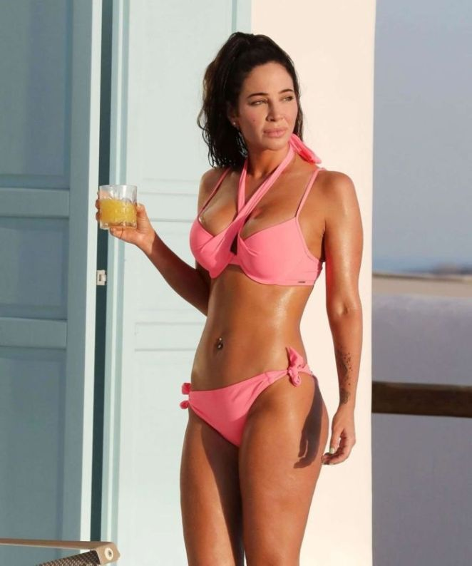 Tulisa Contostavlos In A Bikini At The Swimming Pool In Greece