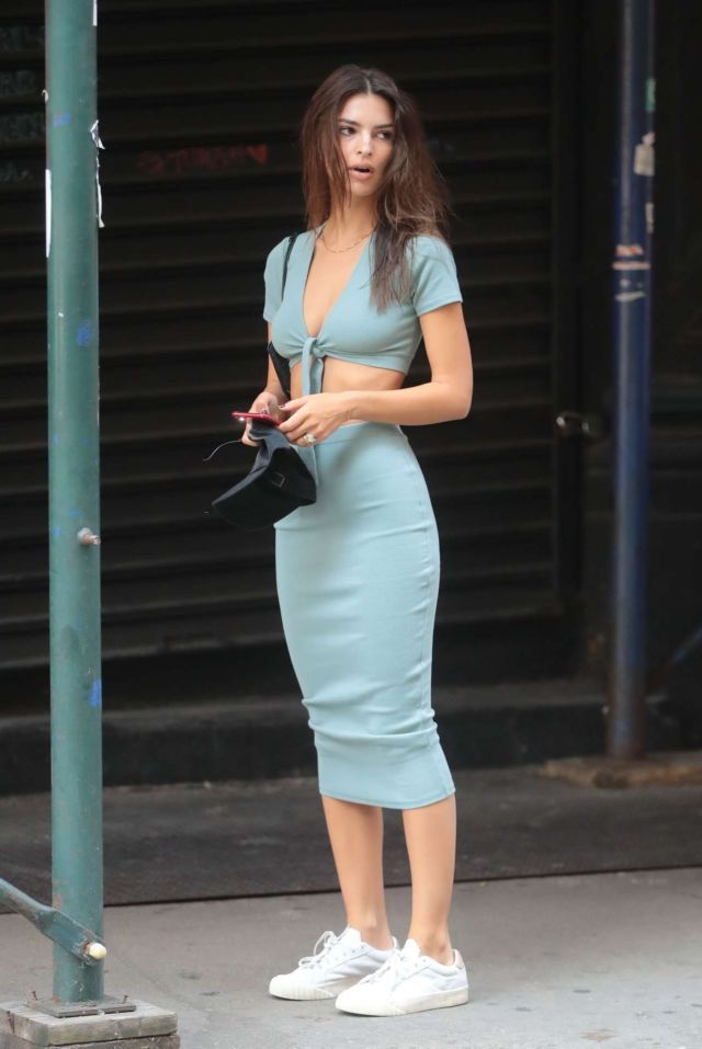 Emily Ratajkowski Candids Out And About In New York