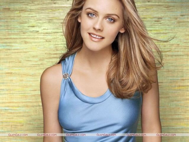 Click to Enlarge - Alicia Silverstone Wallpapers