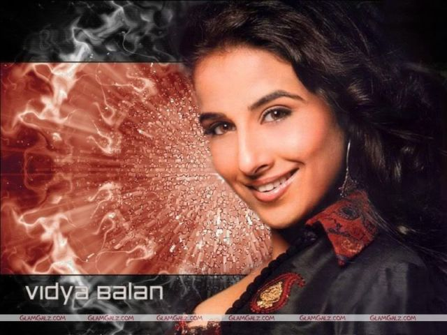 Click to Enlarge - Vidya Balan Sensational Wallpapers