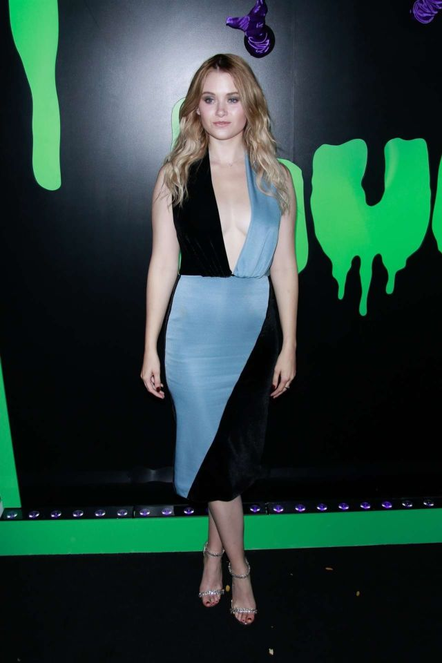 Pretty Virginia Gardner At The Huluween Celebration 2019