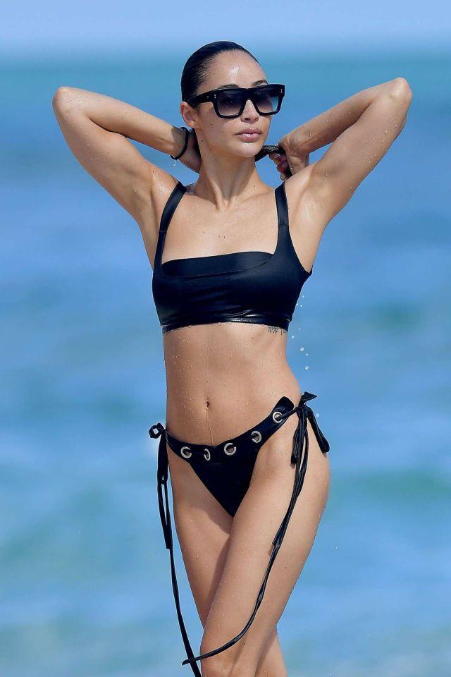 Cara Santana Vacationing In A Bikini On The Beach In Miami