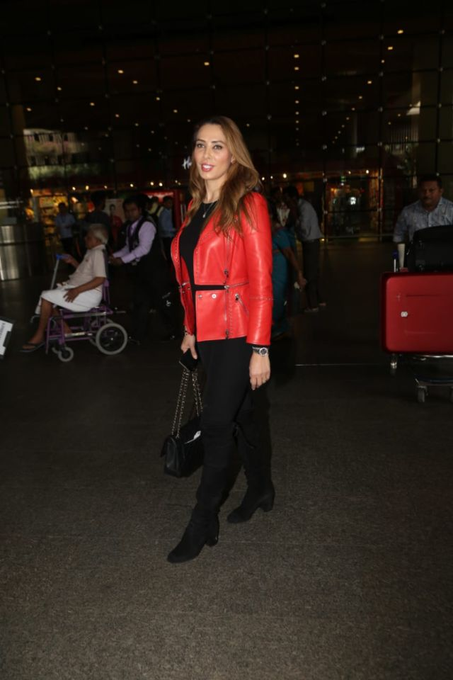 Iulia Vantur Looks Stunning In A Red Leather Jacket