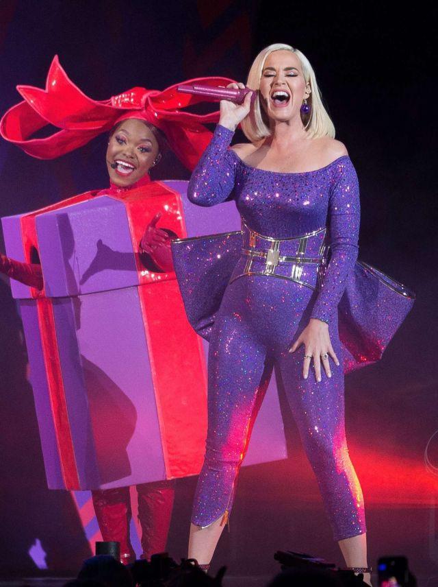 Katy Perry Performs Live At B96 Jingle Bash