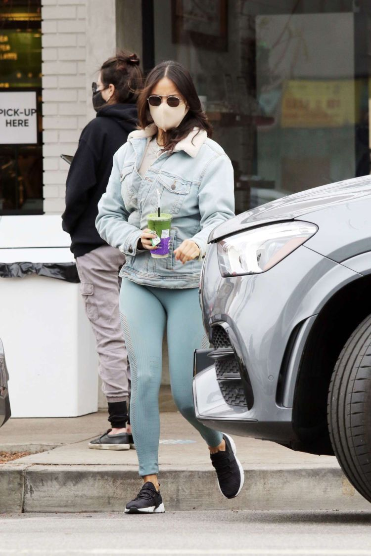 Eiza Gonzalez Spotted Picking Up Juice In Los Angeles