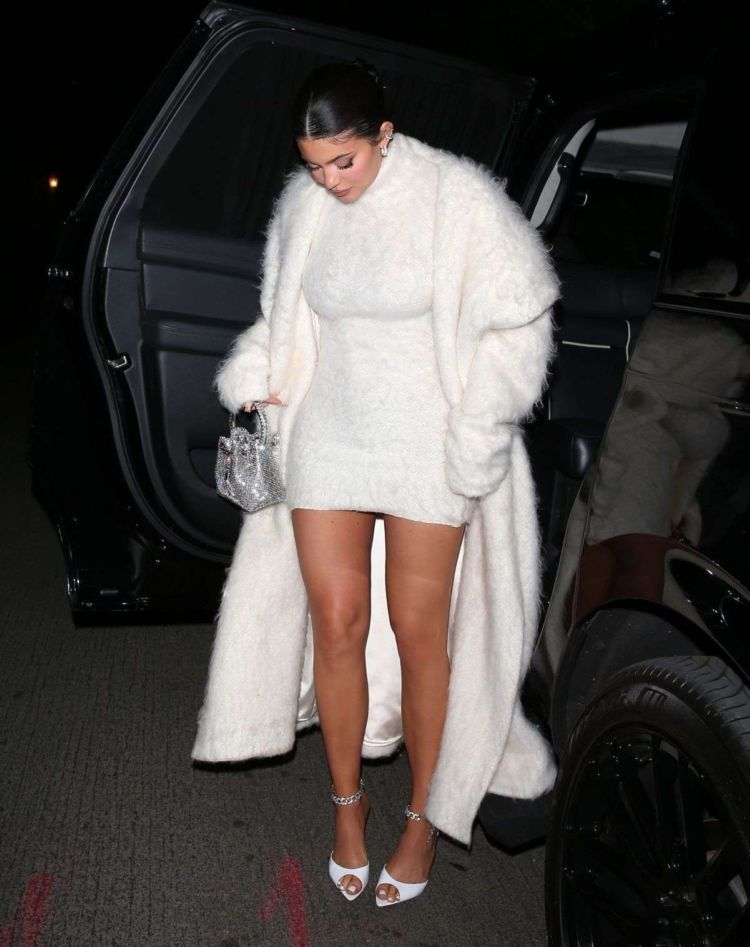 Kylie Jenner In A White Dress At The Nice Guy In Hollywood